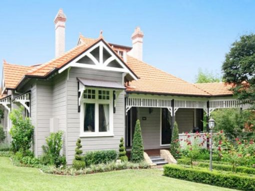 HERITAGE WEATHERBOARD: RENOVATION AND RESTORATION